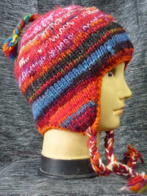 Earflap hat in reds